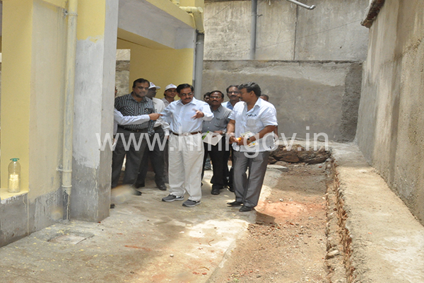 MD HMR inspecting HMR corporate Office Construction work at Rasoolpura and Shopping Complex at Putlibowli on 06.06.2015